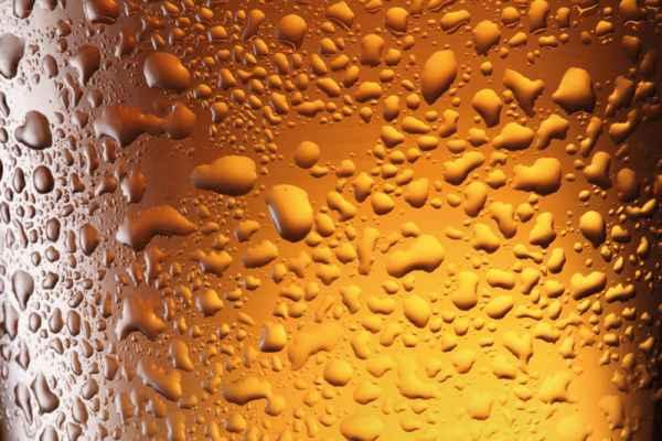 Carta da parati Gocce su Bicchiere
